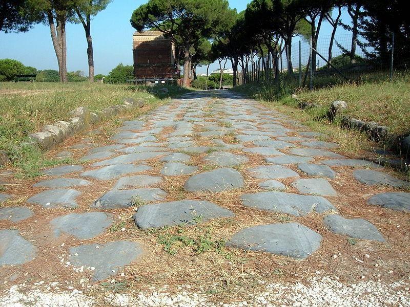 Parco delle Tombe di Via Latina: basolati di via latina