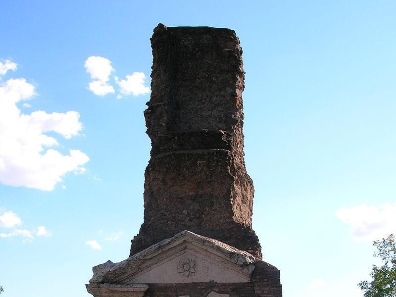 Parco Regionale dell'Appia antica: tomba di famiglia