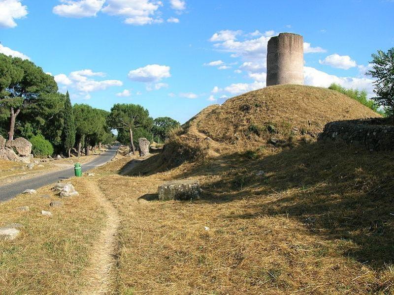 Parco Regionale dell'Appia Antica: tumulo dei curazi