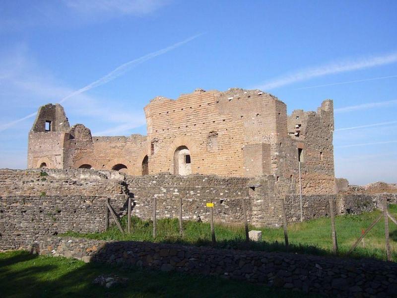 Parco Regionale dell'Appia Antica: ninfeo dei quintili