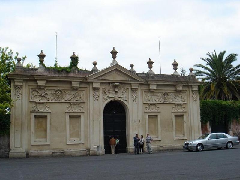 Villa del Priorato di Malta: ingresso del piranesi
