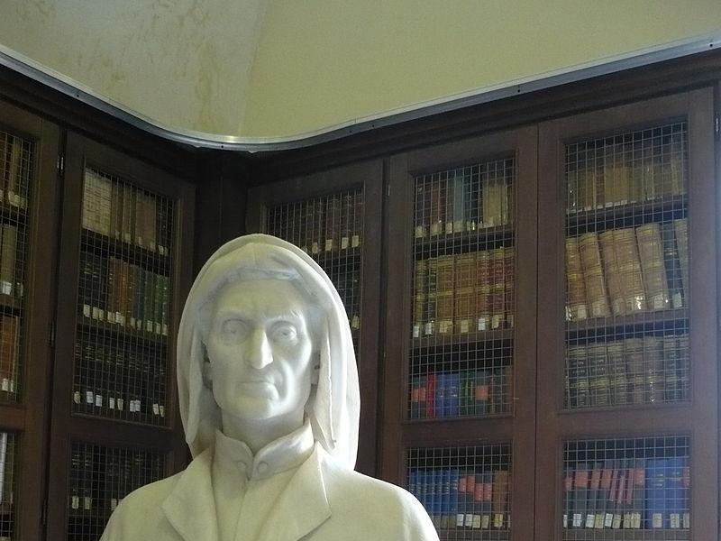 Busto di Dante del Frattallone