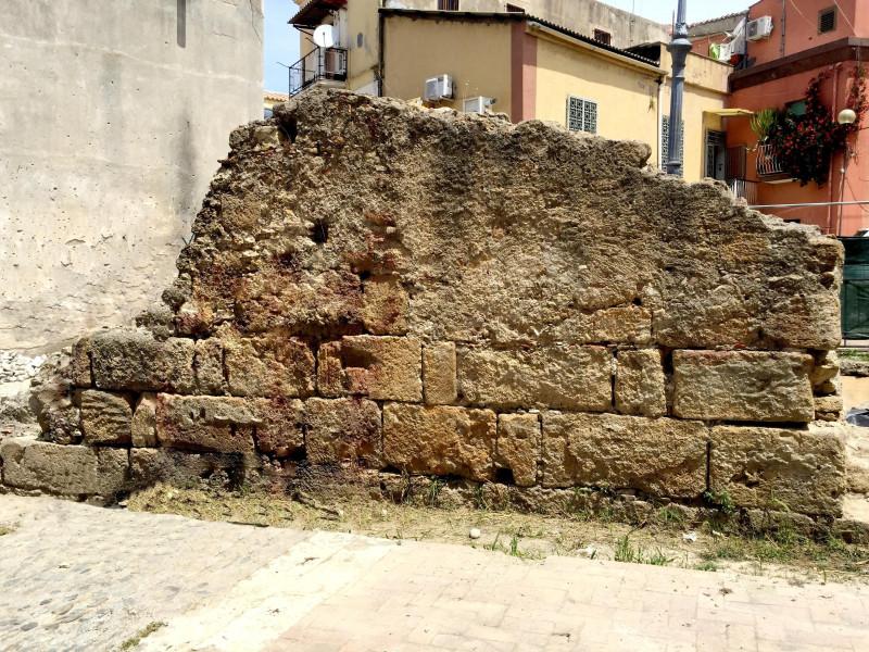 Resti della cinta muraria di epoca bizantina