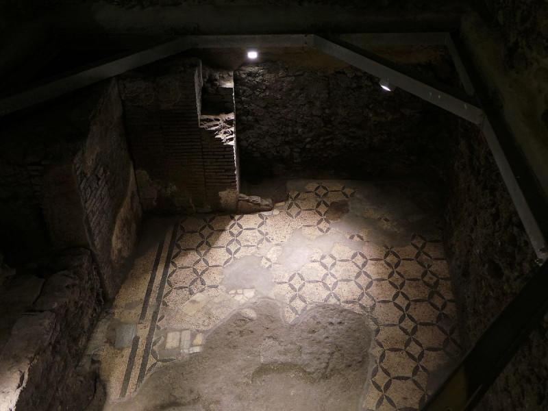 Pavimento romano sotterraneo