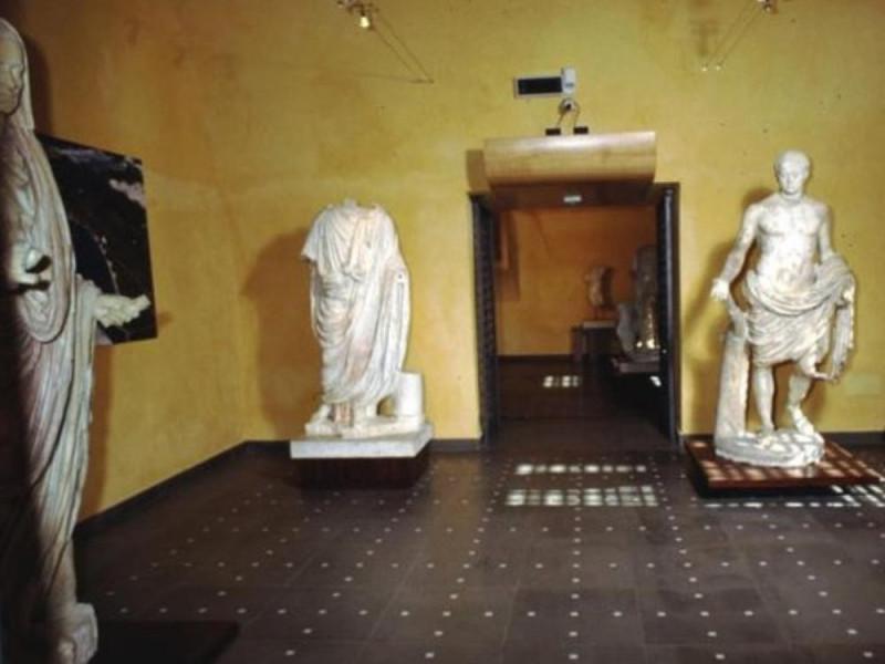 Ufficio Moderno Formia : Esposizione tappeti moderni formia reparto tappeti treglia