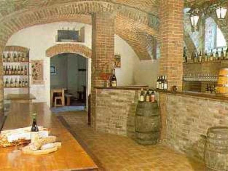 La bottega del vino ci Moncucco